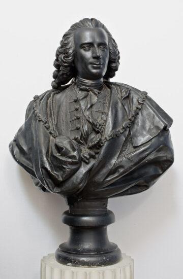 Portræt af A.G. Moltke (1710‑1792). Sidste halvdel af 1760'erne (originalmodel ca. 1757) Buste i bemalet gips. Akademirådet, Inv.nr. KS 421. Opstillet i Kuppelsalen på Charlottenborg. Her gengivet med venlig tilladelse af Akademirådet.