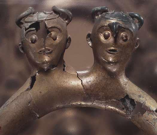 Njord og Njærd på en Mankestol fra Yngre Bronzealder. Fogdarp i Skåne © Nationalmuseet (PD)