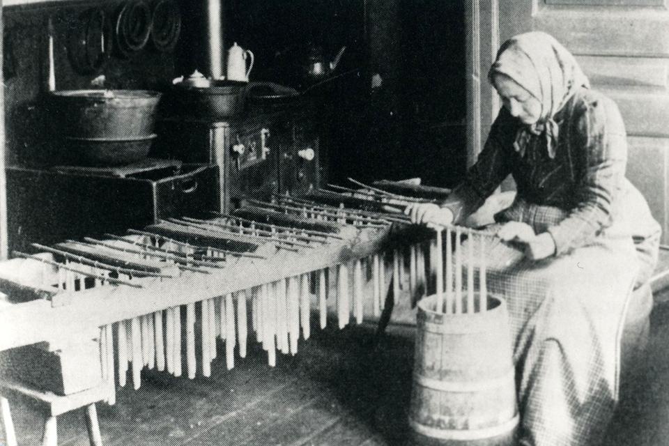 Lysestøbning i Klint 1915. Kilde arkiv.dk