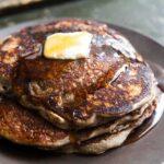 Pandekager af bygmel © Simply Recipes